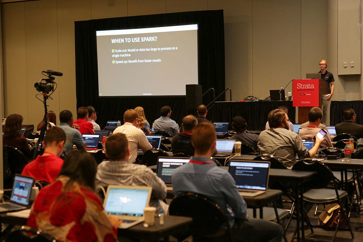 Bighead: Airbnb's end-to-end machine learning platform: Big data